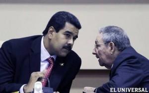 Nicolás Maduro ratificó la alianza política con Cuba en su primera salida al exterior luego de ser proclamado por el CNE ratificando la profundización de dicha alianza con un aporte de 2 mil millones de dólares. FOTÓGRAFO